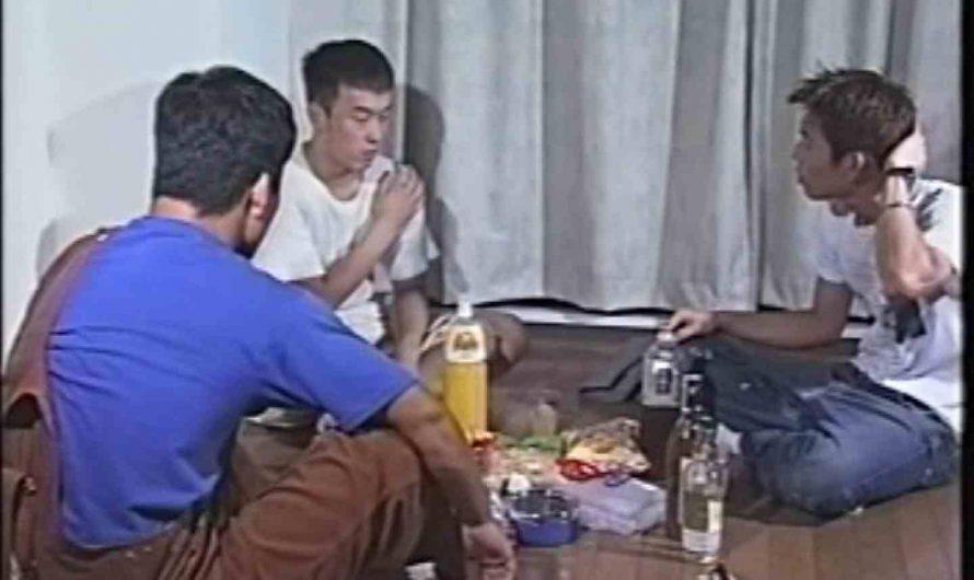 俺たち全裸で宅飲み! !何やってんネン お手で! AV動画 96pic
